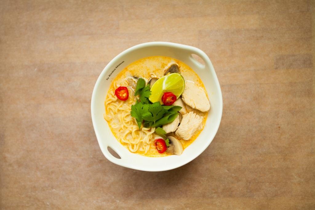Tom Kha Gai Tajska Zupa Z Mlekiem Kokosowym Facet