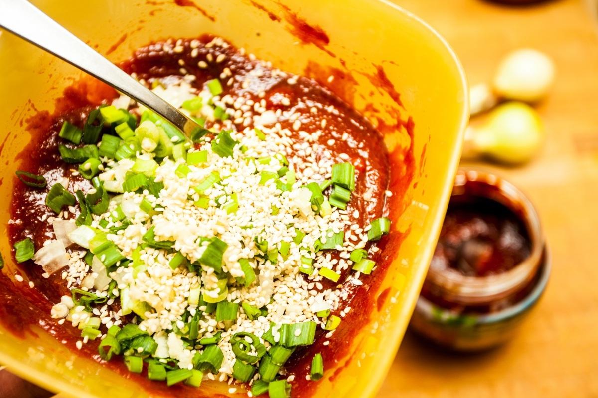 Pasta ssamjang – ostry koreański sos do mięsa