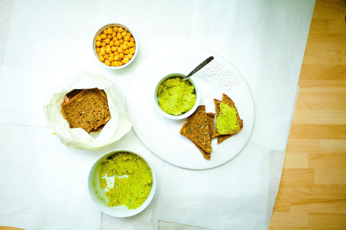 Hummus z cieciorki (ciecierzycy)