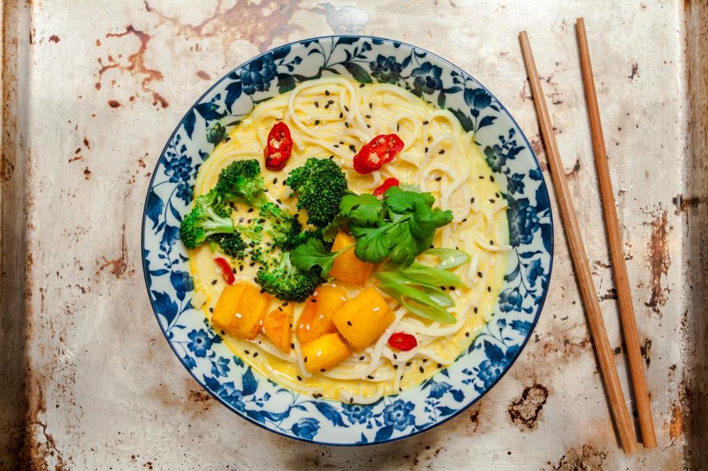 Khao Soi Smaczna Zupa Z Tajlandii Facet