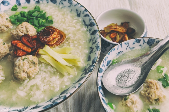 Congee. Chińska owsianka z ryżu.