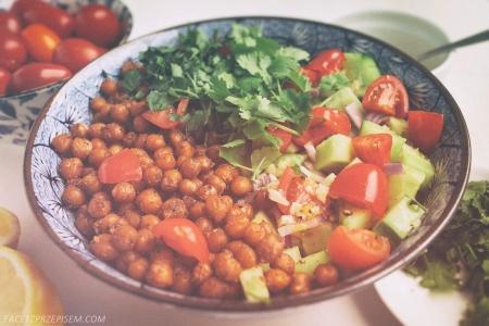 Arabska sałatka z cieciorki