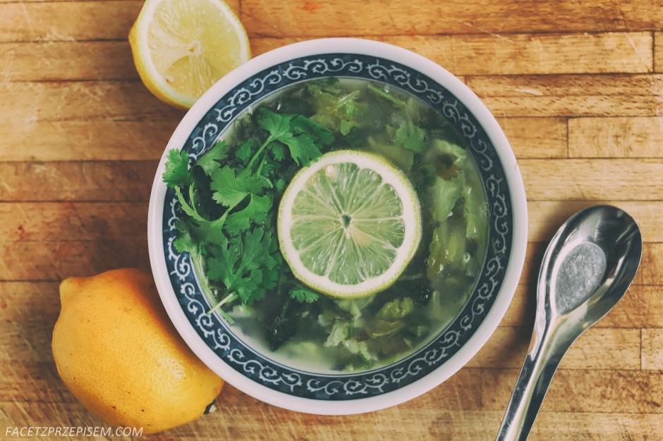 Zupa z cytryny i kolendry