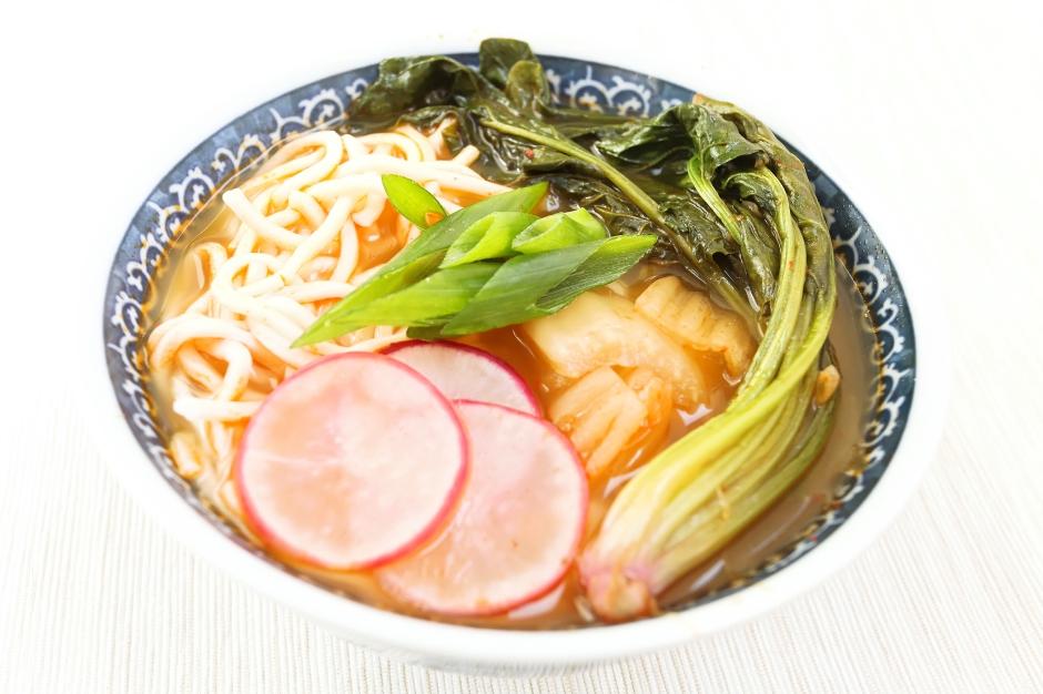 Zupa kimchi z warzywami